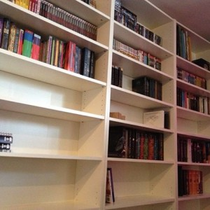 Foto: Zoooo blij! Nu binnenkort de rest van mijn boeken maar eens hier krijgen! <3