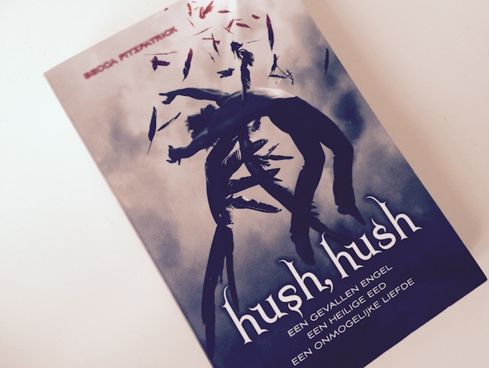 Een mening herzien: Hush, hush