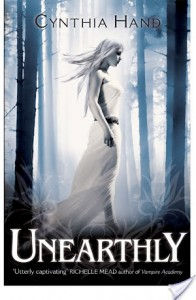 Unearthly (Unearthly #1) – Cynthia Hand