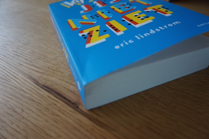 Een paperback ontleed